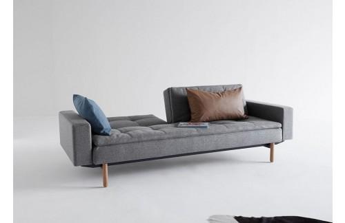 Kavč DUBLEXO SOFA BED z rokonasloni in s svetlimi lesenimi nogicami