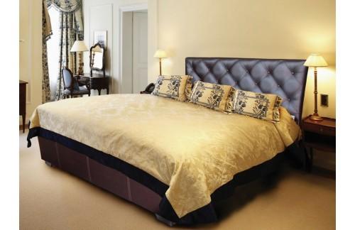 Oblazinjena postelja MORFEJ z dvižnim mehanizmom