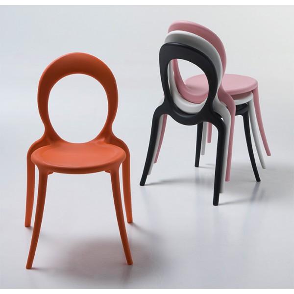 Stoli Holly: različne barve