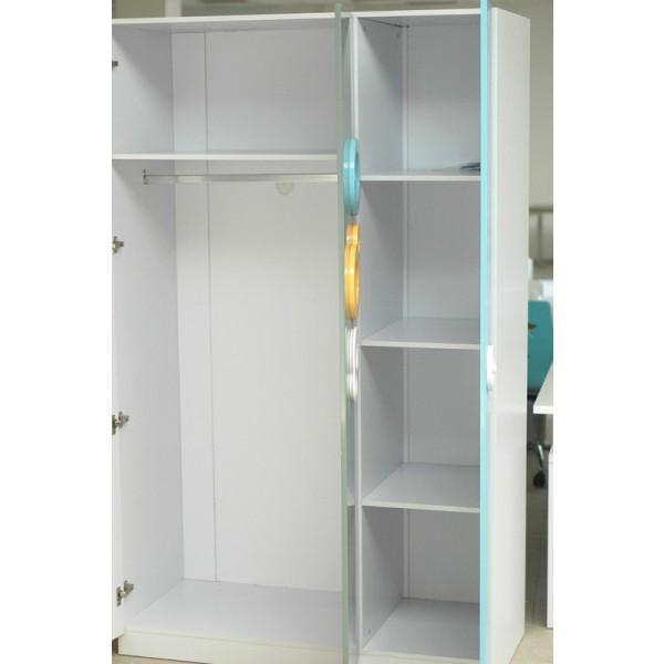 Otroška soba Tri Color - notranjost garderobne omare