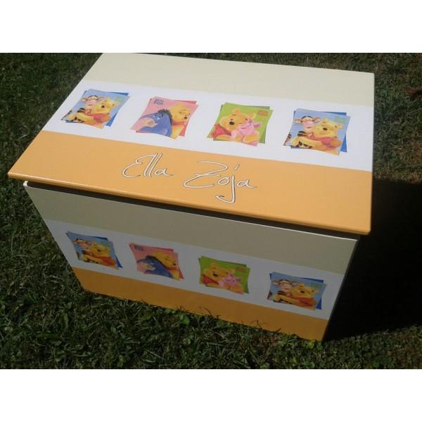 Zaboj za igrače Medvedek Pu (oranžno-bež) z napisom imena